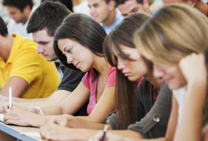 Conacyt retrasa pago de becas a estudiantes de posgrado que se encuentran en el extranjero