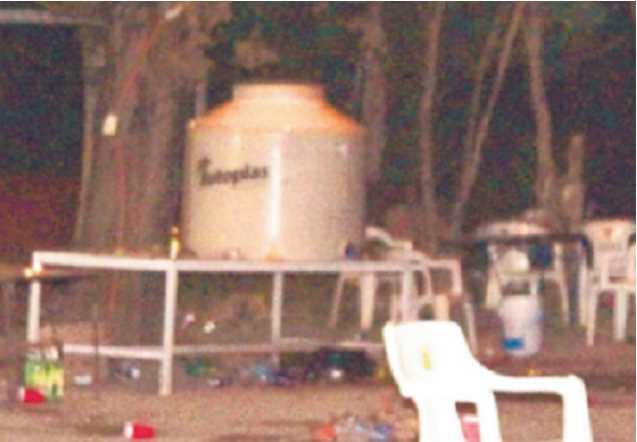 Estudiantes preparan 500 litros de 'aguas locas' en un tinaco y resultan intoxicados