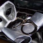 Detienen a estadounidense que pretendía recrear Cincuenta sombras de Grey en Filipinas