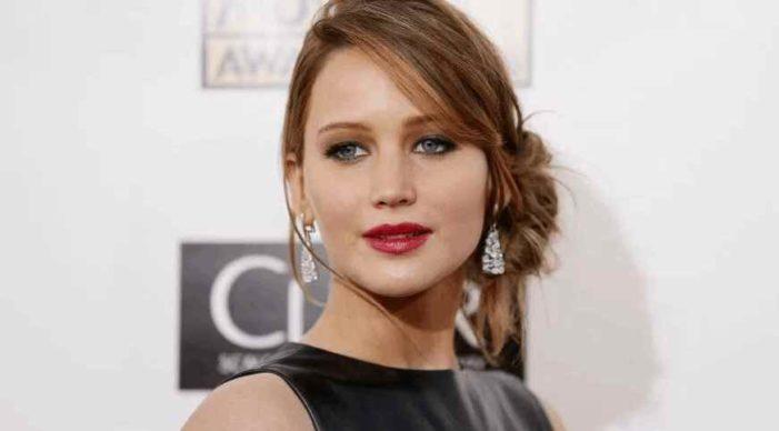 Jennifer Lawrence dice que fue obligada a desnudarse en Hollywood