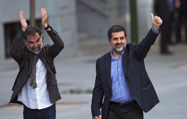 Encarcelan a los líderes independentistas catalanes