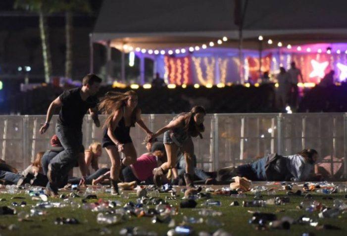 Decenas de muertos y centenares de heridos tras tiroteo contra multitud en Las Vegas