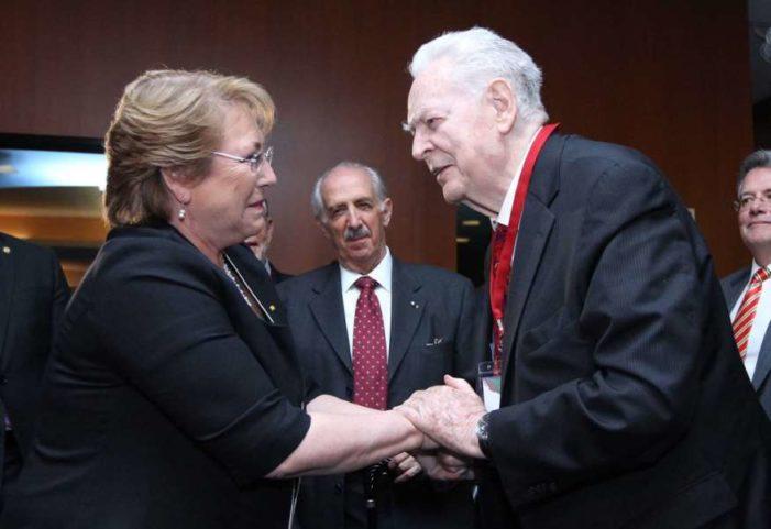 Murió Gonzalo Martínez Corbalá, embajador de México que defendió a Salvador Allende
