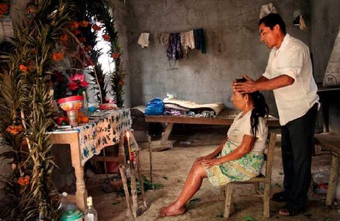 CNDH llama a reconocer medicina tradicional indígena, como un pilar para atender la salud
