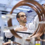 Mexicano crea Freevolt, sistema que utiliza energía del ambiente para alimentar sensores