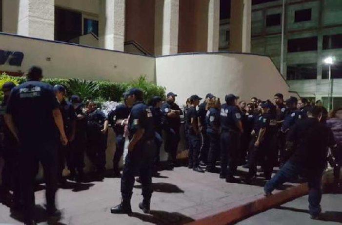 Policías de Monclova paran labores por falta de apoyos
