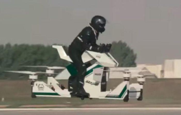 Moto voladora para los policías en Dubái