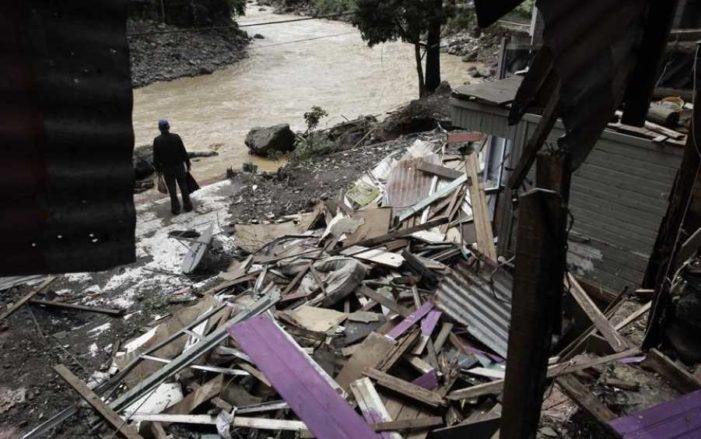 'Nate' se convierte en huracán categoría 1, avanza hacia EU