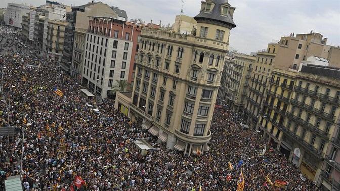 Exitosa huelga contra la represión miles paralizan Cataluña
