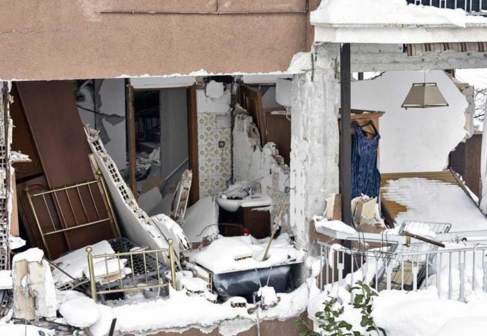 'Arriba México', iniciativa que ofrece alojo en casas devastadas por sismos para recaudar fondos