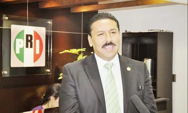 Hijo de diputado del PRI se burla de agresión a periodista en Tierra Caliente