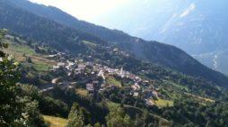 Pueblo en Suiza te da 60 mil euros para que lo habites