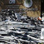 Vecinos de Ecatepec regresaron medidores digitales de luz y los llevaron al palacio