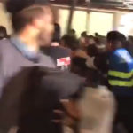 Derriban valla de contención durante concierto de Caifanes en el Zócalo (Video)
