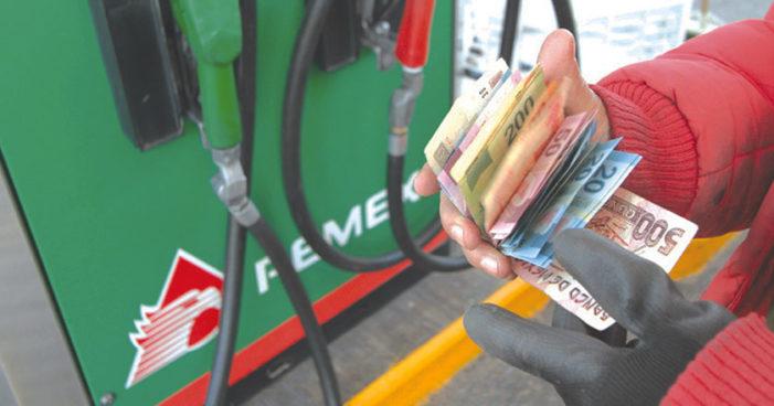 Liberarán precios de gasolina y diésel el 30 de noviembre, lo mismo pasó con el gas y subió 35%
