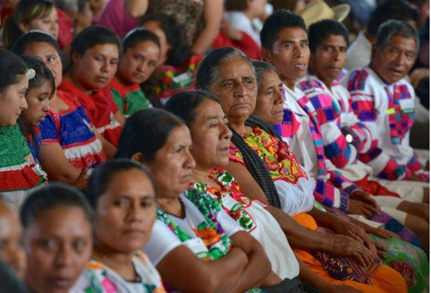 Mujeres indígenas mueren por falta de servicios básicas