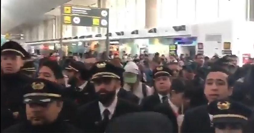 Pilotos de Aeroméxico levantan paro en AICM tras negociaciones