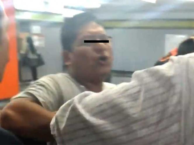 Detienen a sujeto que se bajó los pantalones frente a usuaria en el Metro (VIDEO)
