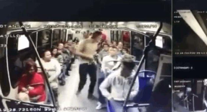Momento en que asaltan a usuarios del transporte publico en Azcapotzalco (VIDEO)