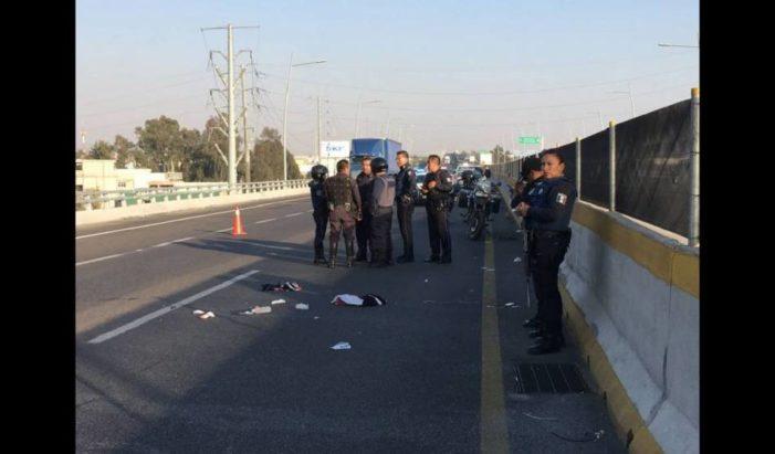 Asaltan un tráiler en la México-Puebla, por error ladrón le dispara a su cómplice