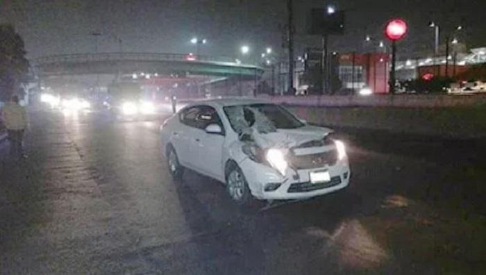 Se suicida y por poco mata a conductor en Ecatepec