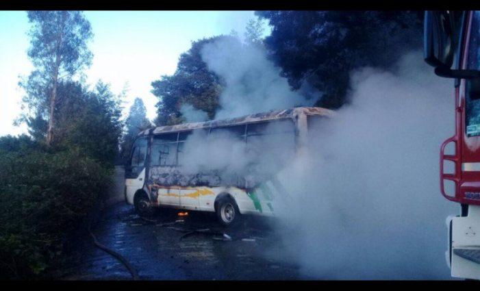 Incendian autobús en Chile en contra de la visita del papa
