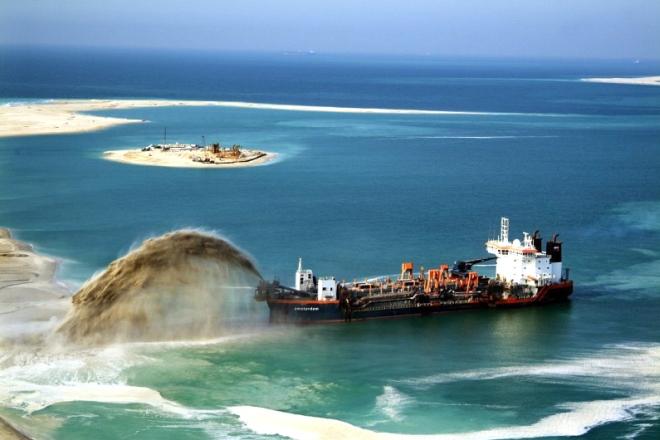 Diputados aprueban ley que permite minería en el mar y contaminación