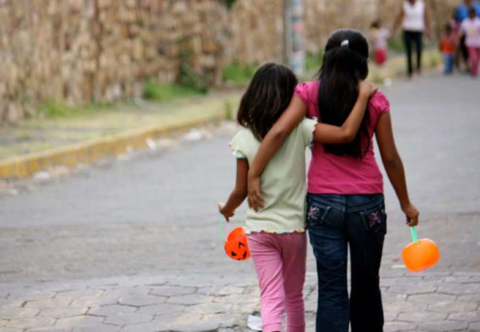 Menores salieron a pedir calaverita y terminaron en la cárcel 'por alterar el orden'
