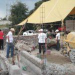Estudiantes de la UNAM entregan primera casa hecha con PET a damnificados por sismo