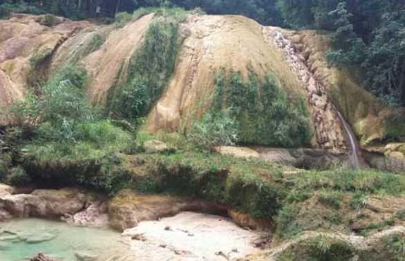 La principal cascada de Agua Azul, Chiapas se secó tras sismo