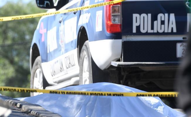 Indigente empuja a estudiante de Conalep contra un tráiler y muere atropellada