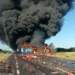 Mueren 4 y salen heridos otros 16 en choque y explosión en Tamaulipas