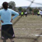 Guadalupe García, mujer mazahua que busca empoderar a las niñas desde el futbol
