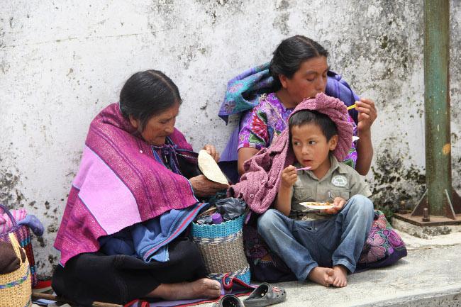 Hasta casi los 40 años descubren qué es un condón en comunidades de Chiapas