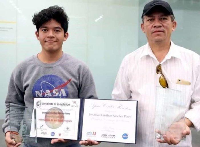 NASA premió a Jonathan, joven de Tultepec que participó en proyecto relacionado con Júpiter