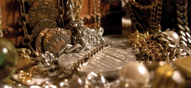 Empleada doméstica habría robado medio millón de pesos en joyas
