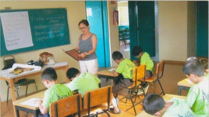 Maestra de Jalisco envía medicamentos por paquetería a su madre y la acusan de narcotráfico
