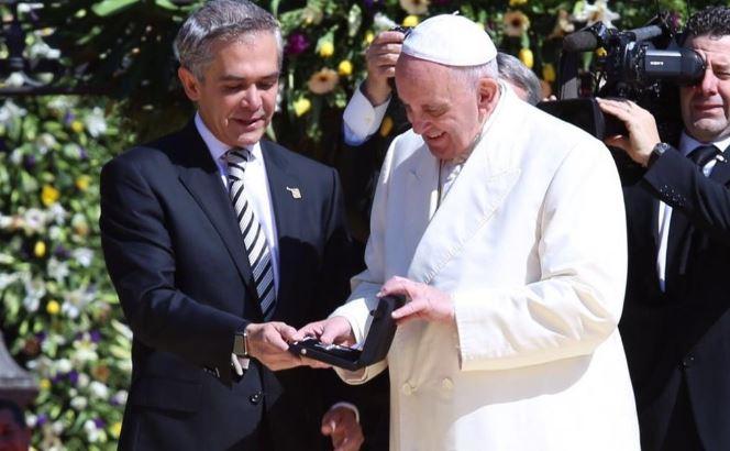 El Vaticano cancela entrega de premio que otorgaría a Miguel Ángel Mancera