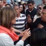 Increpan a Margarita Zavala por el cementerio que dejó Calderón (video)