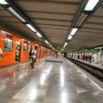 Usuarios del Metro tunden a asaltantes