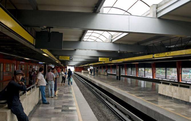 En metro Pantitlán detienen a un sujeto por masturbarse frente a una menor