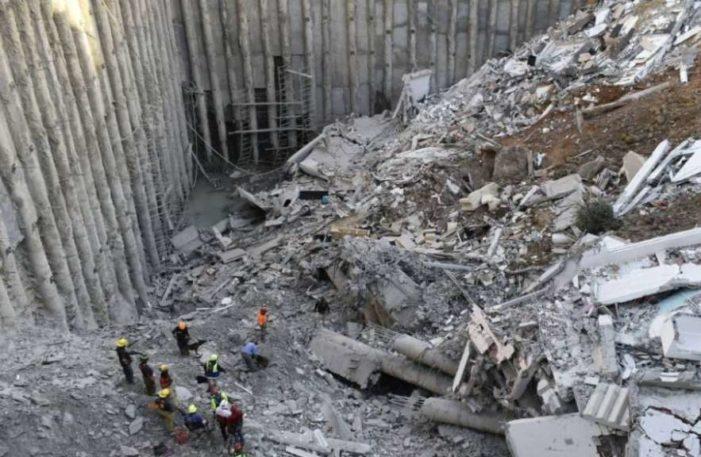 Hallan cuerpo de mujer sepultada tras derrumbe en Monterrey