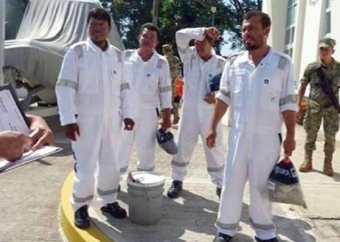 Rescatan en Chiapas a 4 pescadores náufragos