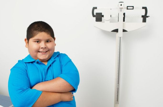 Pequeños desde los diez años ingresan a clínica de obesidad para controlar peso