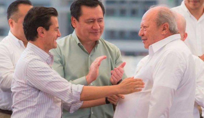 Peña anuncia hallazgo de yacimiento de petróleo; 'México no requiere más refinerías'