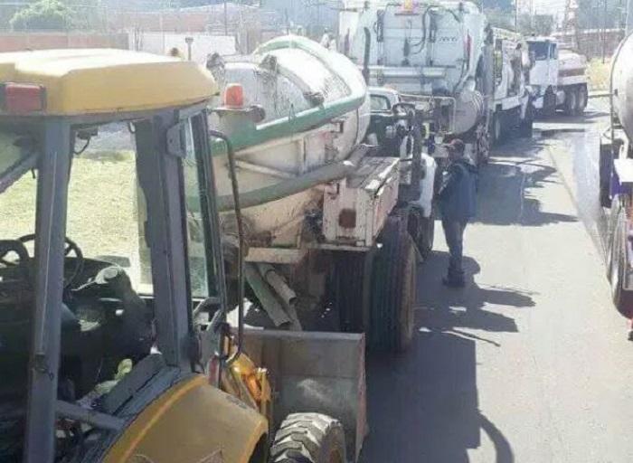Gobierno de Ecapetec no paga diésel de las pipas y cientos se quedan sin agua
