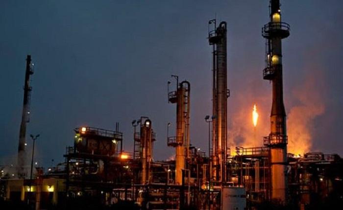 refinería gasolina petróleo pemex