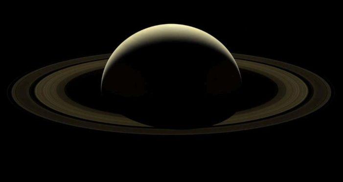 La NASA divulga nueva imagen de Saturno