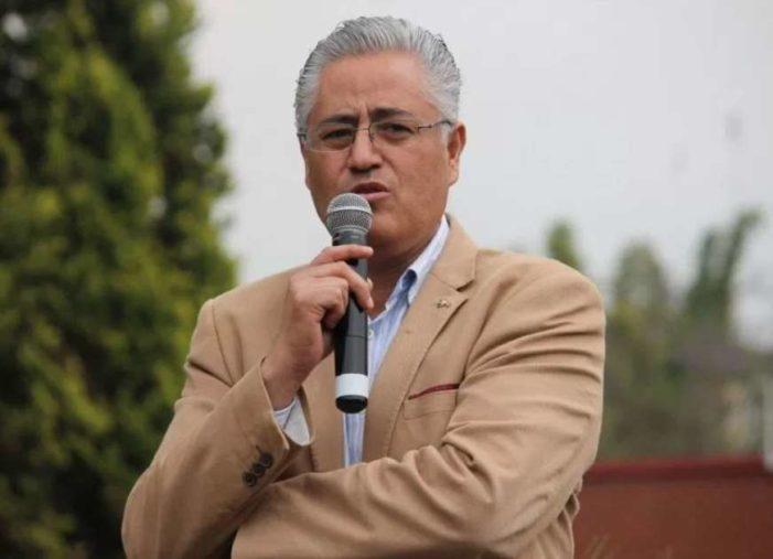 Suspenden orden de aprehensión contra rector de la UAEM
