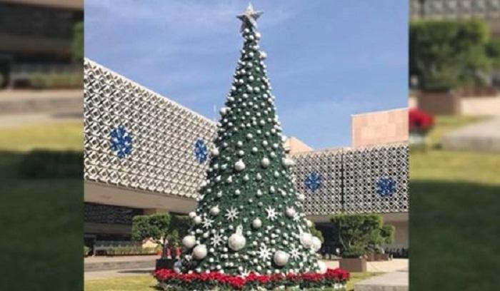 Árbol navideño de San Lázaro costaría 4 millones de pesos